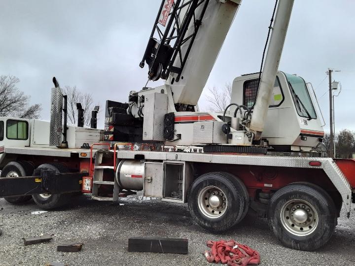 Fitzgerald and Sons Steel LLC 75-ton link-belt truck crane side view
